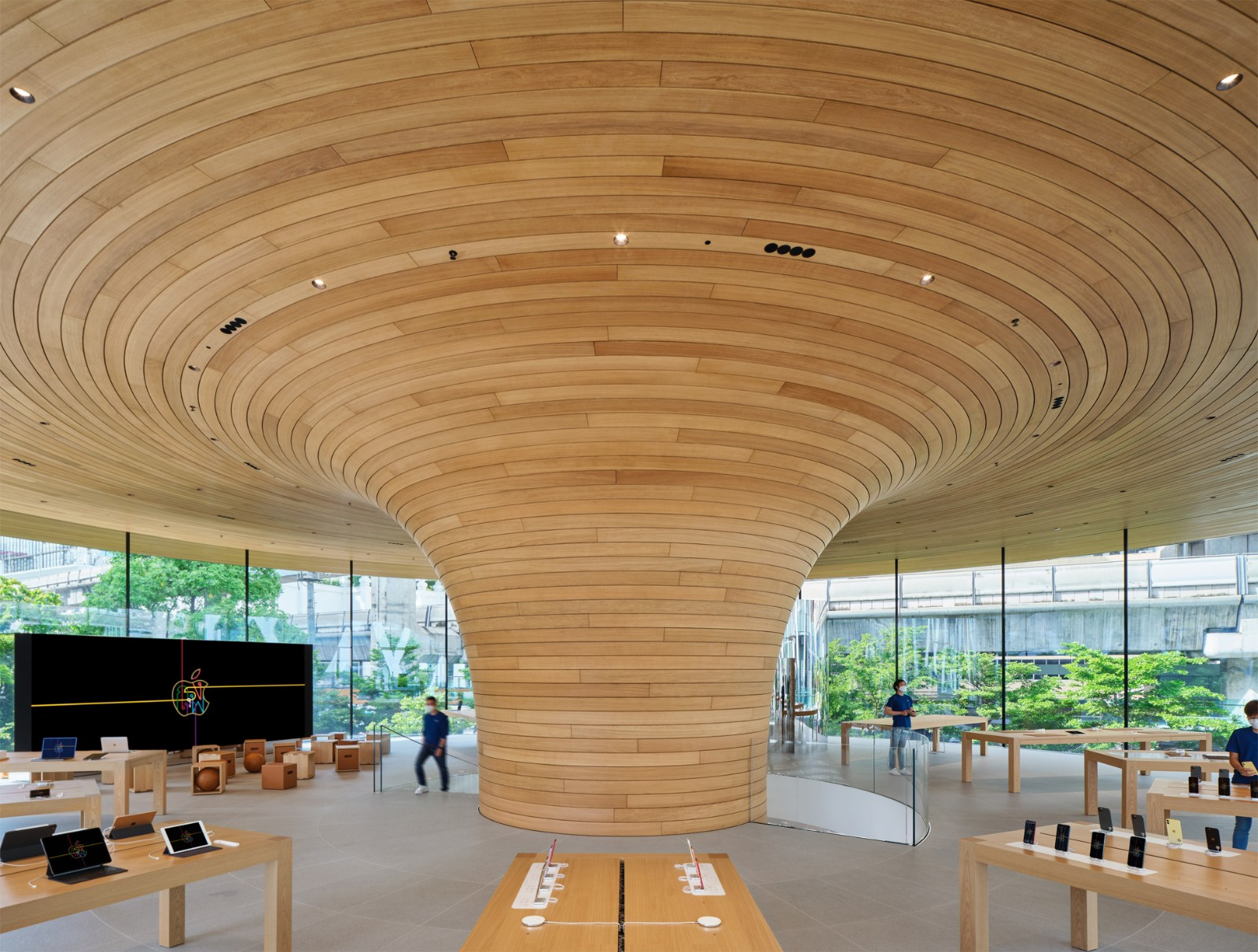 Apple Central World 內部空間。.jpg